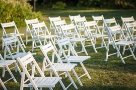 השכרת כסאות פלסטיק מחיר