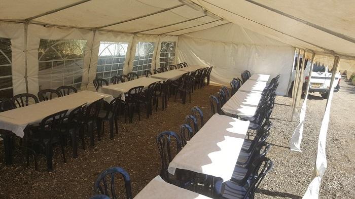 אוהל גדול לאבלים